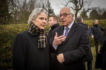 Susanne Wasum-Rainer und Yossi Gal, israelischer Botschafter in Frankreich, in Sarre-Union am 17. Februar 2015
