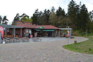 Hauptgebäude des Bärenwald Müritz, Stuer, Mecklenburg-Vorpommern