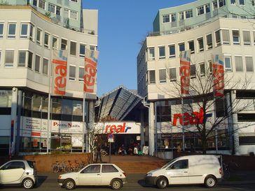 Ein Real-Markt in Köln-Sülz