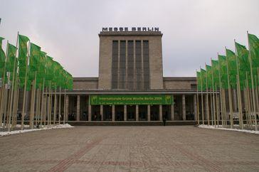 Internationale Grüne Woche in Berlin, Eingangsbereich zum Messegelände, 2006