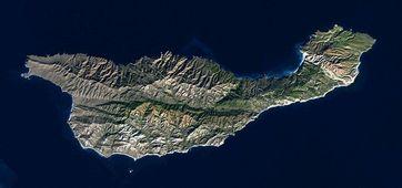 Santa Cruz Island ist eine Insel vor der Westküste Kaliforniens, die zur Inselgruppe der kalifornischen Kanalinseln gehört.