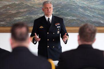 Der Inspekteur der Marine - Vizeadmiral Kay Achim Schoenbach Bild: Markdo PIZ Fotograf: Steve Back