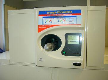 Pfandsystem: Leergutautomat für den Pfandflaschenempfang