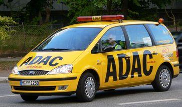 Pannenhilfsfahrzeug des ADAC