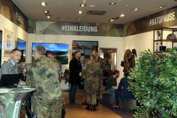 """Bundeswehr dauerhaft im Einkaufszentrum Bild: """"obs/Presse- und Informationszentrum Personal"""""""