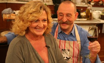 Susanne Fröhlich in der am 30. Oktober 2010 ausgestrahlten Sendung Lafer!Lichter!Lecker! an der Seite von Horst Lichter