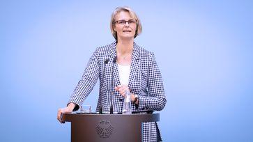 """Bundesministerin Anja Karliczek während ihres Statements. Bild: """"obs/Bundesministerium für Bildung und Forschung/BMBF/Hans-Joachim Rickel"""""""