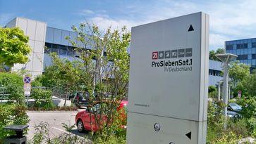 Hinweisschild der ProSiebenSat.1 TV Deutschland