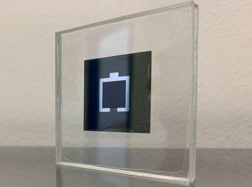 Die Tandemsolarzelle wurde im typischen Labormaßstab von einem Quadratzentimeter realisiert. Das Aufskalieren ist jedoch möglich. Bild:  Eike Köhnen/HZB