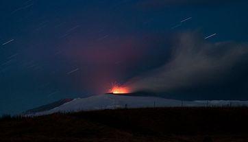 Eyjafjallajökull: Eruption im April 2010. Bild: David Karnå / de.wikipedia.org