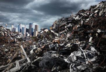 Am Ende des Lebenszyklus sollen Textilien, Kunststoff-Bauteile usw. auf Mülldeponien möglichst schnell und ohne gefährliche Rückstände verrotten. Quelle: ©lassedesignen - Fotolia.com (idw)