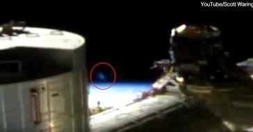 "Bild: Screenshot Youtube Video ""Strange object spotted flying past the International Space Station"""