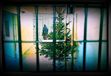 Zu Weihnachten alle Menschen in Wohn-Haft? (Symbolbild)