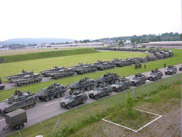 Militärischer Landkonvoi (Symbolbild)