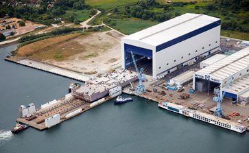 """Der Bau neuer Anlagen - hier die neue Halle 8a - hat die Produktivität deutlich verbessert. Bild: """"obs/Meyer Werft GmbH & Co. KG/Jens Schröder"""""""