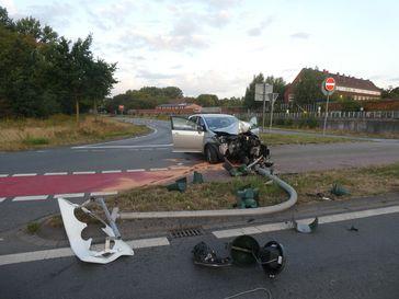 Das Foto zeigt den Unfallort nach der Kollision. Bild: Polizeipräsidium Münster