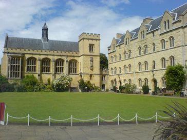 Pembroke College der Universität Oxford, Fassade aus dem charakteristischen Bath Stone