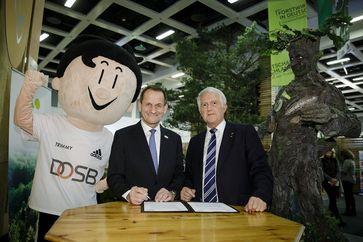 DOSB-Präsident Alfons Hörmann und DFWR-Präsident Georg Schirmbeck (rechts). Bild: DFWR
