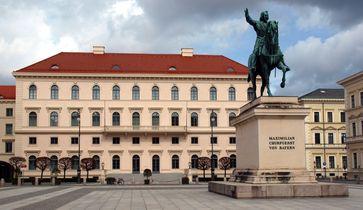 Zentrale der SiemensAG am Wittelsbacherplatz in München