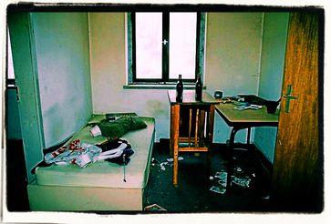 Immer mehr Wohnungslose leben für lange Zeit in kommunalen Unterkünften mit schlechten Standards. (Symbolbild)