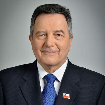 Roberto Ampuero (2018)