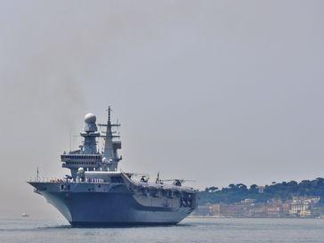 "Mission ""Sophia"": Der italienische Flugzeugträger Cavour, Flaggschiff der EU NAFOR Med ab Juni 2015"