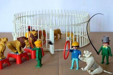 Playmobil-Spielfiguren: Wildtier-Dressur im Zirkus. Bild: © PETA