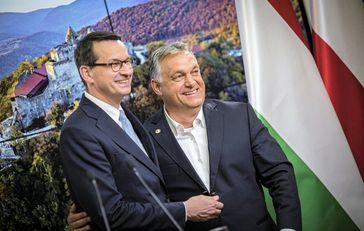 Die Ministerpräsidenten Orbán & Mazowiecki (2020)