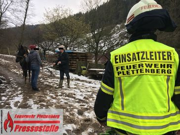 In Plettenberg konnte ein Pferd unversehrt aus seiner Notlage befreit werden.