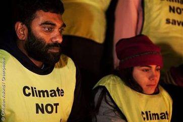 Greenpeace-Geschäftsführer Kumi Naidoo bei der Mahnwache vor dem Kopenhagener Gefängnis. Greenpeace fordert die sofortige Freilassung der inhaftierten Greenpeace-Aktivisten. Bild: Christian Aslund / Greenpeace