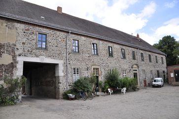 Gut Glüsig: Das barocke Haupthaus von der Hofseite