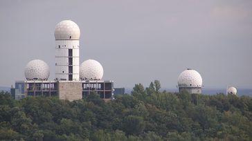 Ehemalige US-amerikanische Abhörgebäude auf dem Teufelsberg, 2007