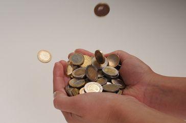 Für Kommunen sind es Rekordüberschüße, für internationale Konzerne ist es eine handvoll Kleingeld (Symbolbild)