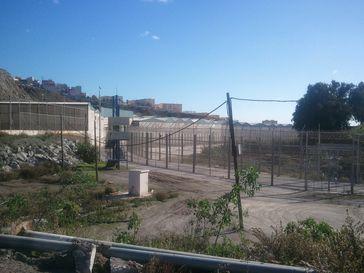 Ceuta: Grenzzaun und Wachposten (2011)