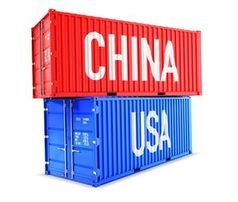 Container China-USA: Deutsche Exporteure leiden.