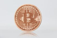 Bitcoin: Steigende Kurse beflügeln Anleger. Bild: pixelio.de, Tim Reckmann