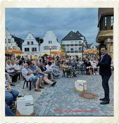 Jens Spahn beim Wahlkampf 2020: Kein Sicherheitsabstand, keine Masken - Manche sind Gleicher als Gleich? (Symbolbild)