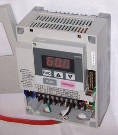 Kleinleistungs-Umrichter für den Betrieb an Asynchron-Drehstrommotoren