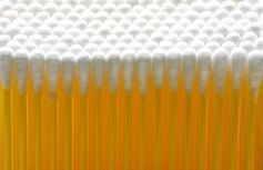 Wattestäbchen: Gefahr für die Ohren. Bild: pixelio.de, berwis