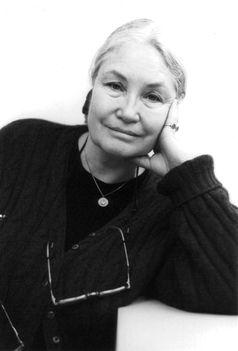 Ellen Schwiers (Stuart Mentiply, 2008)