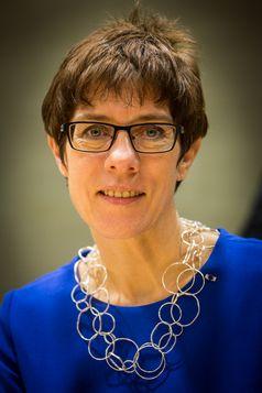Annegret Kramp-Karrenbauer (2015)