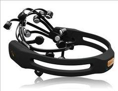 Neuro-Headset: überwacht Gehirnaktivität beim Fahren. Bild: emotiv.com