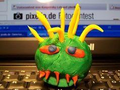 Virus: PCs sind Malware oft schutzlos ausgeliefert. Bild: pixelio.de/knipseline