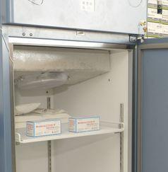 Lagerung des Impfstoffs in einem Kühlschrank