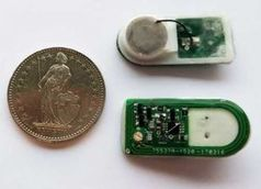 Prototyp: Kabel verbindet Kammer mit Steuerungselektronik (grün).
