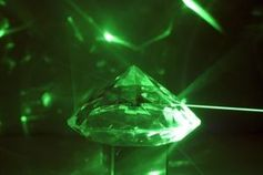 Laserstrahl: Forscher nutzen ihn im Kampf gegen Krebs. Bild: pixelio.de/gnubier