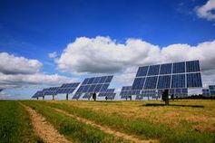 Solarkraftwerk: mit Nanotechnik noch sauberer. Bild: pixelio.de/Rainer Sturm