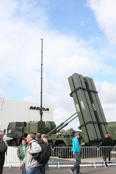 MEADS-System des Rüstungskonzern MBDA auf der ILA in Berlin 2012