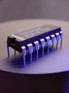 Halbleiter: Neue Materialien erhöhen Elektronenfluss. Bild: pixelio.de/R. B.