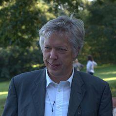 Dr. Ernst Dieter Rossmann